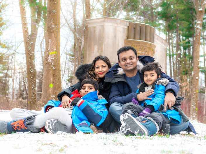 Sharif family's winter day out
